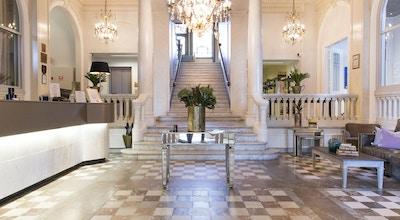 Foajé og resepsjon på Hotell Continental du Syd i Ystad, Sverige