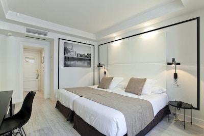 Bilde av et dobbeltrom på Hotel Abando, lyse farger