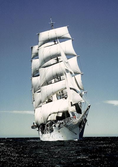 Skipet sett frra vann