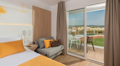 Lazure hotel room 01