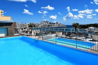 Bayview hotel pool 01