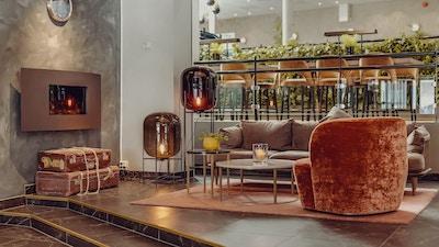 Lobby med peis og sittegruppe, Clarion Collection Hotel Grand Bodø