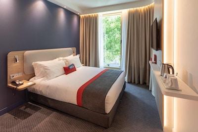 Hotellrom med dobbeltseng