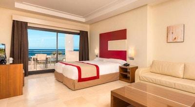 Estepona hotel spa resort room 01