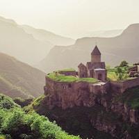 Gammelt kloster i solnedgang. Tatev. Armenia