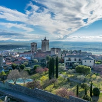 Trujillo katedral, panoramautsikt over middelalderbyen, Extremadura, Spania