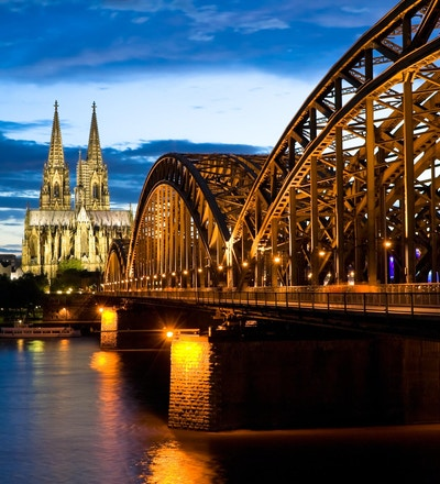 Kölnerdomen etter solnedgang
