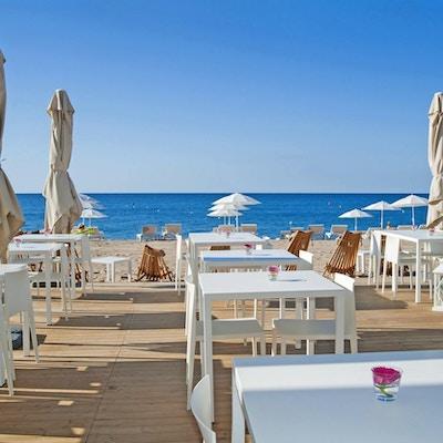 Hotel bernat ii beach club 01