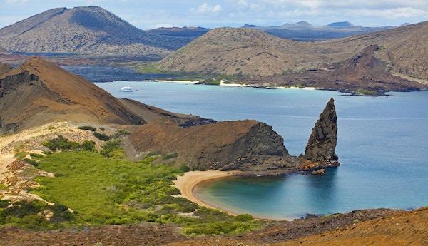 Sjø og fjell på Bartolome, Galapagos.