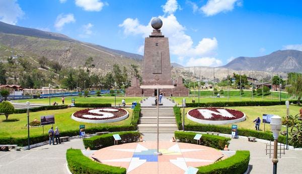 Monument i park i Ecuador.