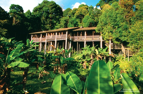 Langhus på Borneo, Malaysia.