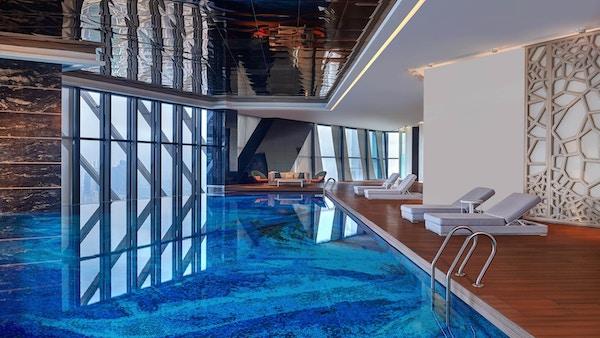 Svømmebasseng på hotell.