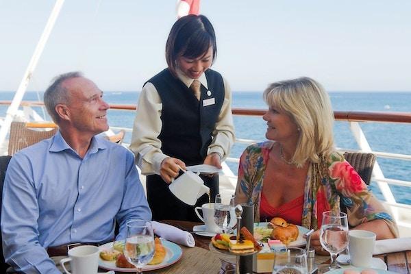 Azamara couple service Amalfi