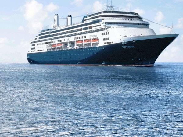 MS Rotterdam til havs.