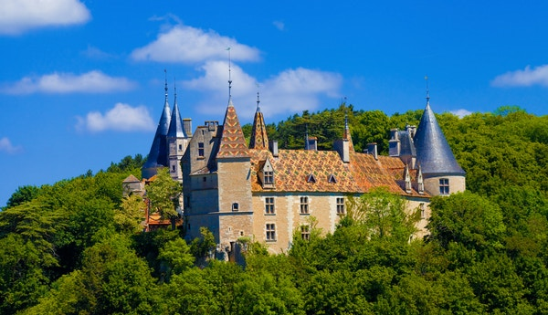 Château de la Rochepot i Frankrike.