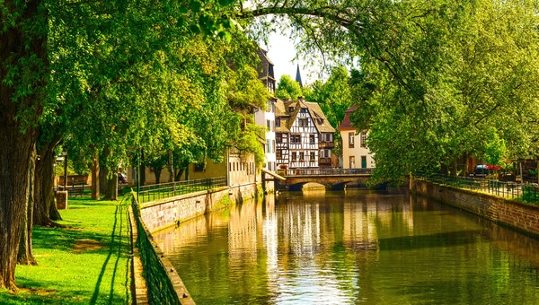 Elven i Strasbourg i Frankrike.