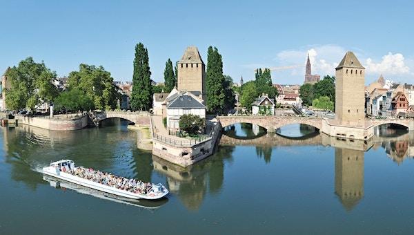 Kanalbåt i Strasbourg.