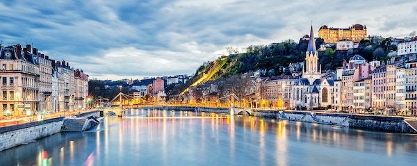 Lyon om kvelden i Frankrike.