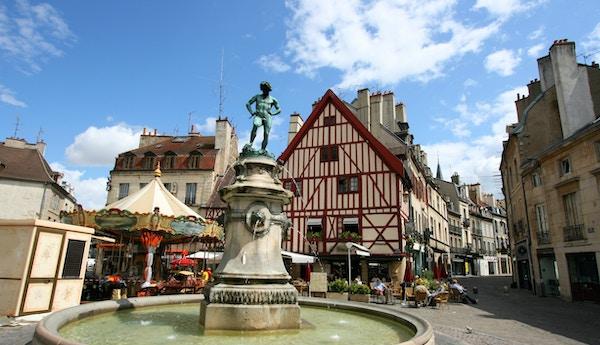Statue i Bourgogne i Frankrike.