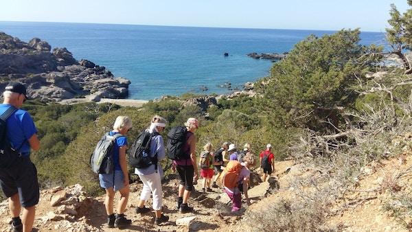 Turister på fottur på Kreta.