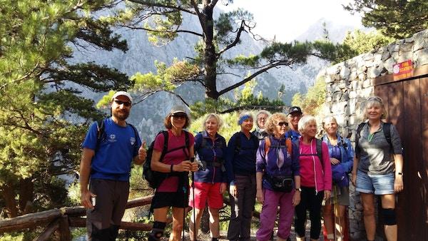 Turister på tur på Kreta.