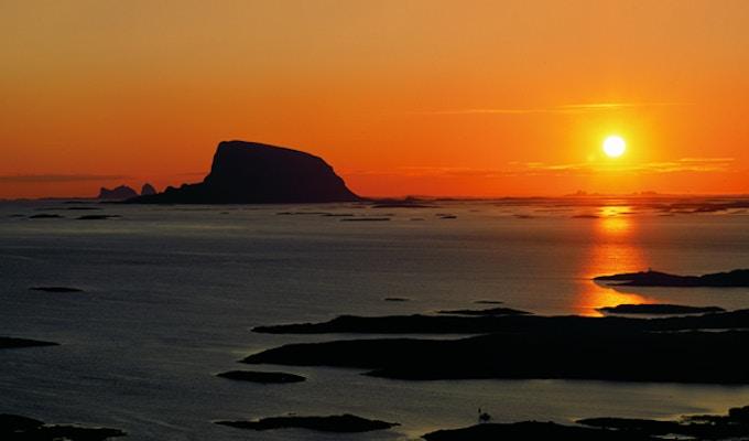 Lovund, solnedgang