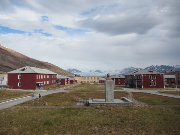 Oversiktsbilde, Pyramiden på Svalbard.