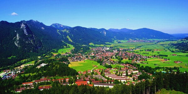 Oversiktsbilde over Oberammergau.