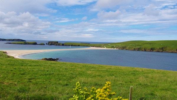 Øya St. Ninian's Isle på Shetland.