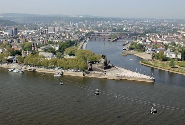 Koblenz im Buga Jahr 2011 Deutsches Eck 01