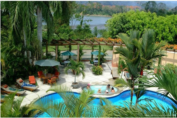 Svømmebasseng på Casa Turire i Costa Rica.