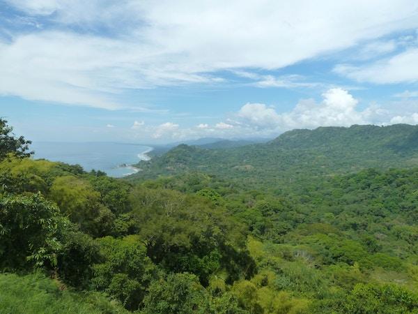 Oversiktsbilde over jungel i Costa Rica.
