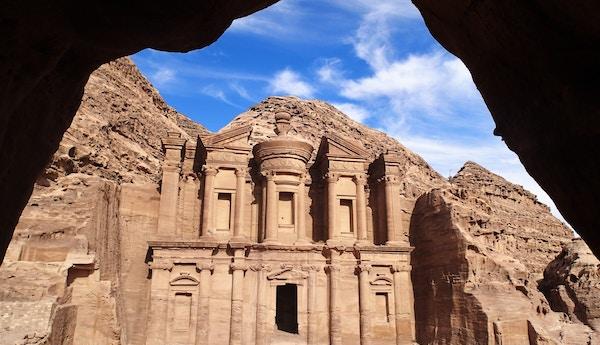 Mennesker i oldtidsbyen Petra i Jordan.