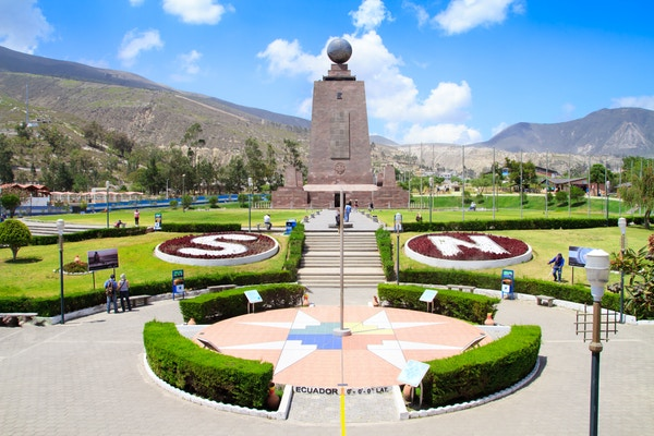 Statue ved Ekvator, Ecuador.
