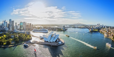 Aerial of Sydney harbour Opera House 1905x1200