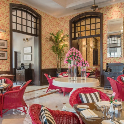 Strand cafe pano2 1170x570