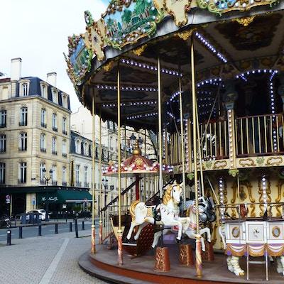 Gammeldags karusell i Bordeaux