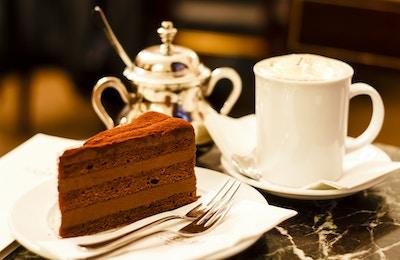 Kaffe og kake på kafé i Wien