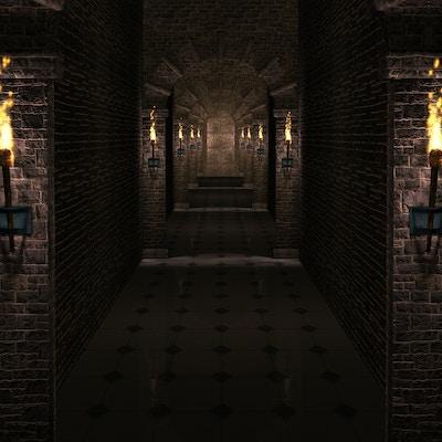 Mørk korridor i middelalderborg