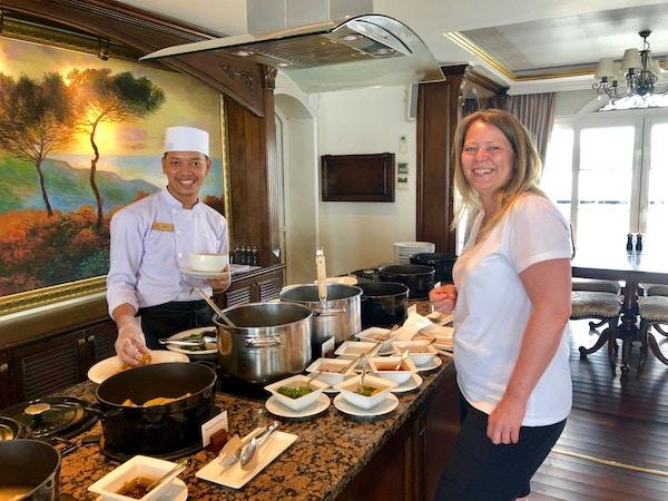 Buffet på Mekong Navigator