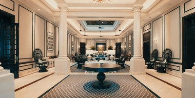 The Strand Hotel lobby in pano 1170x570
