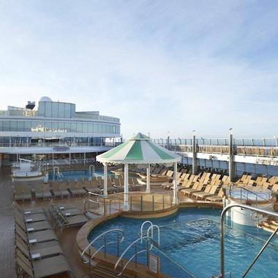 Ncl Jade Pool Deck 0049